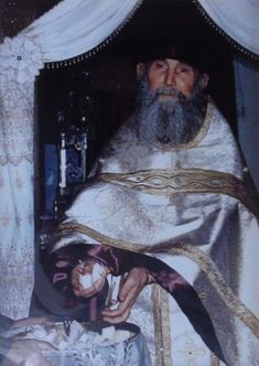 Miséricorde Divine, Famous Freemasons, Russian Painting, Russian Orthodox, Orthodox Christianity, Christian Faith, Arizona, Priest, Holidays And Events