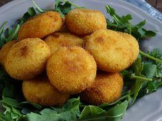 meatballs recipe of polenta Polenta, Oreo Cheesecake, Meatball Recipes, Antipasto, Menu, Finger Foods, Food Art, Italian Recipes, Cooking Tips
