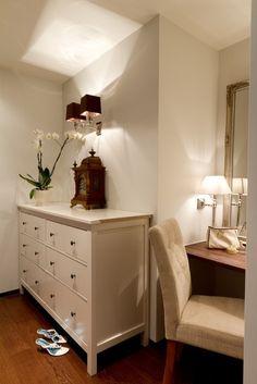 A very nice walk-in-closet http://lifeofadecorator.blogspot.fi/2013/01/more-of-dream-apartment.html