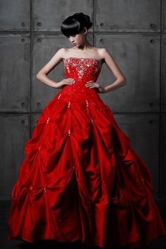 Strapless Vintage Taffeta Ball Gown Dress in Red