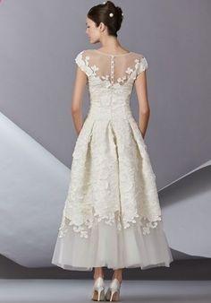 Short and Tea Length Wedding Dresses : Carolina Herrera Wedding Dress Wedding Robe, Wedding Gowns, Wedding Venues, Civil Ceremony Wedding Dress, 1950s Wedding Dresses, Gypsy Wedding, Casual Wedding, Wedding Attire, Rustic Wedding