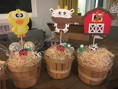 Michelle D's Birthday / Farm - Photo Gallery at Catch My Party Farmer Birthday Party, Baseball Theme Birthday, Animal Themed Birthday Party, Farm Animal Party, Farm Animal Birthday, Barnyard Party, Cowgirl Birthday, Farm Party, 1st Birthday Parties