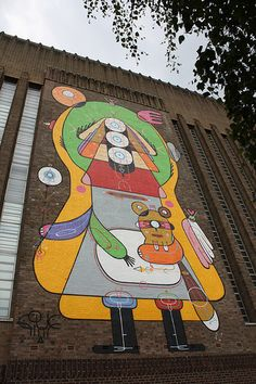 Street Art at the Tate Modern London and Walking Tour nearby.