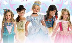 http://vestidosdefiestaweb.com/disfraces-de-princesas/ Los ➨➨ Disfraces de Princesas Disney más baratos e irresistibles!! Blancanieves, Cenicienta, Bella, Ariel La Sirenita, Rapunzel, Violetta, Jasmine, Aurora La Bella Durmiente, Pocahontas, Mulán, Tiana, Elsa y Anna de Frozen. Sea cual sea tu princesa favorita, aquí te dejamos 11 Tiendas de disfraces súper baratos y unos fantásticos vídeos tutoriales para que completes tu look con el maquillaje y peinado perfecto.