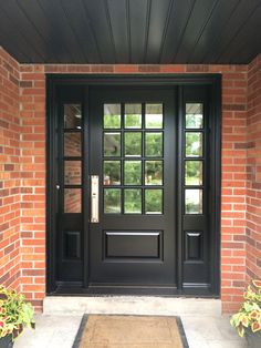45 Fantastic Exterior Door Ideas With Windows Front Doors House Black Exterior Doors, Exterior Doors With Sidelights, Black Front Doors, Painted Front Doors, Craftsman Exterior Door, Exterior Windows, Colonial Exterior, Rustic Exterior, Exterior Siding