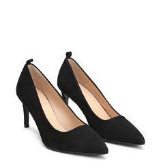 19dd051bc65109 39 Best shoes! images   Ankle boots, Heels, Nine west