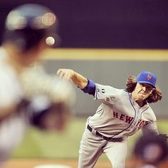 Double tap if you watched Jacob deGrom #deGrominate last night!  He struck out 7 and scattered only 5 hits and 1 run over 7 innings!  #Mets #Padgram