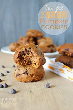 Low-Fat 3 Ingredient Pumpkin Chocolate Chip Cookies - SO easy to make and are decadently low-fat and delicious! #pumpkin #cookies #skinny yummyhealthyeasy.com