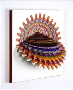 ペーパーアーティスト ジェンスタークの作品。紙を何枚にも重ね、立体的にみせている。錯覚のようで不思議な作品だとおもった。