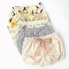 We have 5 new bloomers tonight! Some are vintage fabrics and a … - Kids Fashion My Baby Girl, Baby Love, Baby Girl Fashion, Kids Fashion, Pinterest Baby, Cute Babies, Baby Kids, Outfits Niños, Baby Bloomers