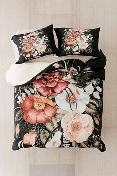 Shop Shealeen Louise For Deny Roses And Poppies Bouquet Duvet Cover at Urban Outfitters today. Aztec Bedding, Teen Bedding, Silk Bedding, Floral Bedding, Black Bedding, Poppy Bouquet, Duvet Covers Urban Outfitters, Luxury Bedding, Modern Bedding