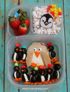 Check out this adorable bento box lunch inspired by Baby Penguins Love Their Mama! So many books that would work for this. Cute Snacks, Lunch Snacks, Healthy Lunches For Work, Healthy Kids, Penguin Love, Penguin Party, Kindergarten Lunch, Whats For Lunch, Baby Penguins