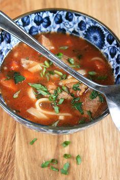 Chana Masala, Thai Red Curry, Soup Recipes, Sriracha, Ethnic Recipes, Ale, Food, Recipes, Ales