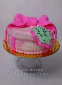 Una hermosa caja para un super cumpleaños  Torta caja de regalo  Makenachocolates@hotmail.com  Tel 4563355 Whatsapp 3017323283