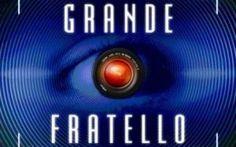 Daniela Martani Grande Fratello si spoglia e rimane in topless per gli animali #gf14 #grandefratello