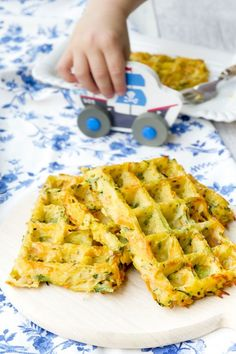 Vegetable waffles for children from the oven – quick and healthy – Homemade Baby Food Baby Snacks, Maila, Homemade Baby Foods, Healthy Vegetables, Baby Food Recipes, Finger Foods, Kids Meals, The Best, Healthy Snacks