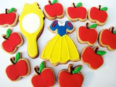 snow white cookies :), perfect for little girls birthdays
