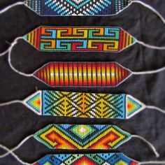 #manilla @arte_embera Bead Loom Patterns, Beading Patterns, Crochet Patterns, Friendship Bracelet Patterns, Friendship Bracelets, Beadwork Designs, Art Diy, Seed Bead Bracelets, Loom Beading