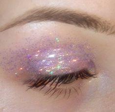 Glitter eyes are back!