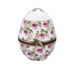 Un oeuf en Porcelaine, style Madame de Pompadour, version Laure Sélignac.