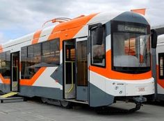 Pregopontocom Tudo: Vladikavkaz na Russia encomenda 10 bondes tipo 71-407 da Uraltransmash...