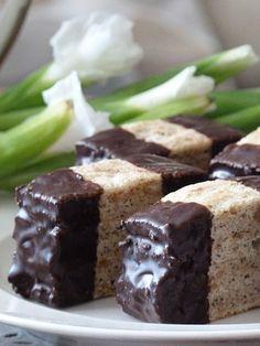 Krispie Treats, Rice Krispies, Czech Desserts, Czech Recipes, Dessert Recipes, Cookies, Baking, Food, Mascarpone