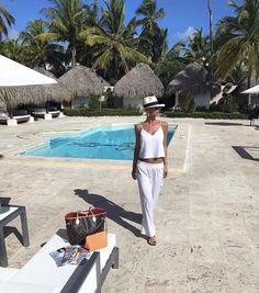 Dukai Regina még nyaralás közben is stílusos! :)