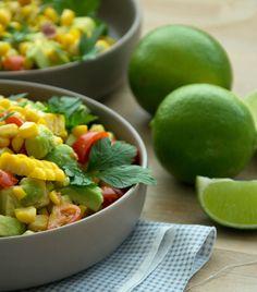Avocadosalat med søde majskerner