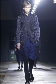 Frans Hagson, Dries van der Noten, Paris f/w 2015 Live Fashion, Fashion Show, Runway Fashion, Mens Fashion, Fall Winter 2015, Modern Man, Fashion Photography, Normcore, Menswear