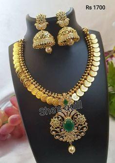 Gold Jewelry For Cheap Latest Necklace Design, Necklace Designs, Gold Jewellery Design, Gold Jewelry, Designer Jewellery, Simple Jewelry, Gold Bangles, Designer Wear, Diamond Jewelry