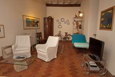 Apartment rentals in Rome, Find great deals with Cities Reference Rome Apartment, Rome Vacation, For Rent By Owner, Roman Holiday, Next Holiday, Rental Apartments, Great Deals, Corner Desk, Bedroom