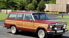 Jeep will show off its new Grand Wagoneer at the upcoming dealer show in Las Vegas in August, and that means Jeep probably at least has a finalized design. Jeep Cj7, Jeep Wagoneer, Woody Wagon, Old Jeep, Pretty Cars, Vintage Trucks, Jeep Grand, Classic Cars, Automobile