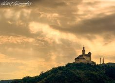 #marksburg #castle #sunset #sunsetporn #sunsets #marksburgcastle  #fairytail #rhineriver #germany #exploreuniworld #romantic #architecture #wanderlust #cloudporn #clouds #travel #discover #instatravel #travelphotography #lovephotography #nikon #nikonphotography #globetrotter  #natgeotravel #nikonnofilter #wonderful_places #passionpassport #natgeo #exploretocreate #nikoneurope