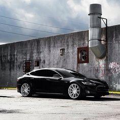"Tesla Model S on 22"" CV4."