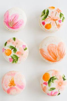 DIY Edible Floral Macarons