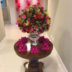 """187 curtidas, 3 comentários - Floricultura e Eventos (@florellaflores) no Instagram: """"Os deliciosos bem comemorados dando sabor e alegria  para nossa flores #fatimabemcasados…"""""""
