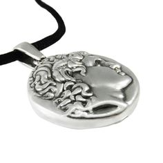Wisdom, power and history, are the guide to our creation of this special two-sided silver pendant, Athena & Alexander. A unique style jewelry, depicting Goddess Athena and Alexander the Great, that will satisfy the most particular tastes. Diameter: 2,5cm Thickness: 0,3cm Silver 999°.