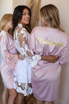 Best Bridesmaid Gifts, Bridesmaid Robes, Brides And Bridesmaids, Bridal Party Robes, Party Wedding, Wedding Ideas, Night Before Wedding, Bridal Lace, White Bridal