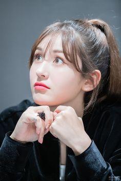 Jeon Somi ( 전소미 ) Best Photos Collection - The K-Pop Chart Black Widow Scarlett, Jeon Somi, Seolhyun, Korean Girl Groups, Kpop Girls, Asian Girl, Cool Photos, Singer, Sport