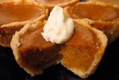 Holidays and pumpkin pie go together like Santa and reindeer. This recipe is easily adaptable to various dietary demands. It& easy to prepare, and makes a rich, creamy, delicious pumpkin pie. Canned Pumpkin Pie Filling, Healthy Pumpkin Pies, Mini Pumpkin Pies, Cooking Pumpkin, Pumpkin Recipes, Gluten Free Thanksgiving, Thanksgiving Recipes, Holiday Recipes, Thanksgiving Feast