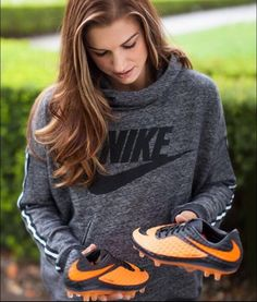 Alex Morgan Nike Tech Pack 2016
