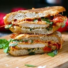 Chicken Parmesan Grilled Cheese - Get ready for a whole meal for lunch. Enjoy this chicken parm grilled cheese anytime! I Love Food, Good Food, Yummy Food, Tasty, Great Recipes, Favorite Recipes, Delicious Recipes, Soup And Sandwich, Grilled Sandwich