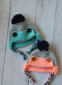 crochet baby Button Eskimo Baby Hat - This cozy hat is a cute and fun baby accessory for winter! {Free pattern by Whistle and ivy} - Baby Crochet Trapper Hat - Free Crochet Pattern Crochet Kids Hats, Crochet For Boys, Crochet Beanie, Baby Blanket Crochet, Crochet Crafts, Crochet Projects, Free Crochet, Knitted Hats, Knit Crochet