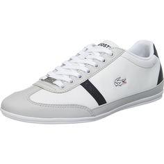 Die LACOSTE Misano Sneakers sind schmal geschnitten und besitzen eine strapazierfähige Glattlederoberfläche. Die Ortholite-Technologie auf der Decksohle sorgt für ein angenehmes Tragegefühl.   - vielseitig einsetzbare Unifarbe - Fersenbereich verstärkt, sorgt für mehr Stabilität im Schuh  - Fersenbereich verstärkt, sorgt für mehr Stabilität im Schuh - gepolsterte Decksohle mit Ortholite- Techno...