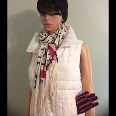 Vest White down look puffer vest. Zips in the front with side zipped pockets. Kenneth Cole Reaction Jackets & Coats Vests