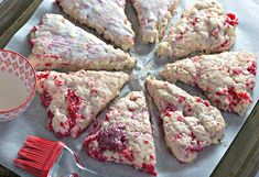Moist, flaky, and bursting with flavour - these RASPBERRY WHITE CHOCOLATE SCONES are perfect breakfast or brunch! Best served with loved ones and plenty of coffee. #scones #breakfast #brunch White Chocolate Raspberry Scones, Raspberry Coffee Cakes, Raspberry Desserts, White Chocolate Chips, Ciabatta Bread Recipe, Chocolate Cake With Coffee, Fudge Pie, Sweetened Whipped Cream, Cream Scones