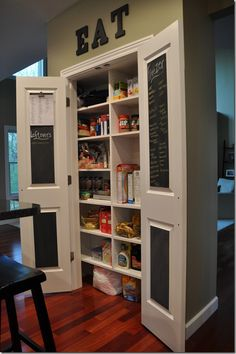 Love! Use chalkboard paint on the inside of pantry doors.