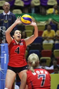 Olympic Women's Volleyball Team - Lindsey Berg I love her too! Olympic Volleyball Players, Usa Volleyball, Volleyball Photos, Nbc Olympics, 2012 Summer Olympics, Olympic Athletes, Sports Stars, Team Usa, Athletic Women