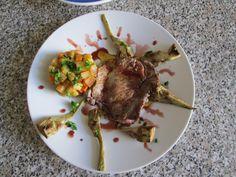 Entrecôte de boeuf  et artichauts  ròti ,ratatouille et sauce   bordelaise  Gino D'Aquino