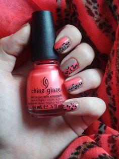 Coco's nails: J'ai testé pour vous... Assortir ses ongles à son écharpe